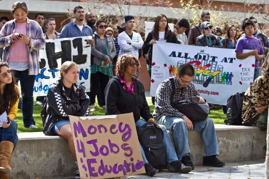 Students+demand+right+to+education