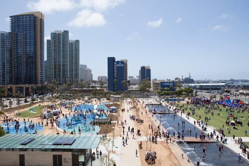 Resfrescate en el centro de San Diego este verano frente a la bahía.  (Foto de cortesía)