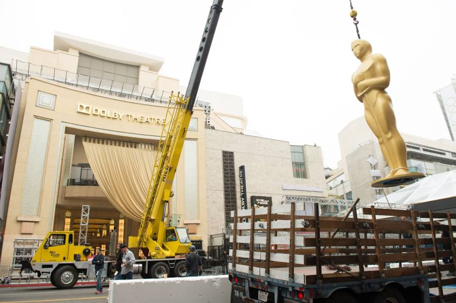 Construction+outside+of+the+Dolby+Theatre+in+preparation+for+the+87th+Annual+Academy+Awards.++Official+Facebook+image.