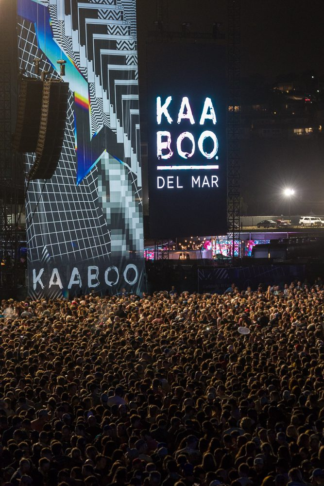 Photo of the concert crowd waiting for the Red Hot Chili Peppers on the first night of the 2017 KAABOO Festival