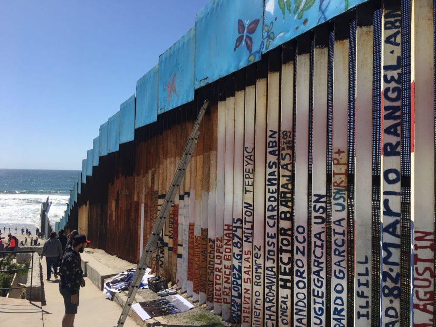 Border+wall+art+on+the+Tijuana+side%2C+2017.