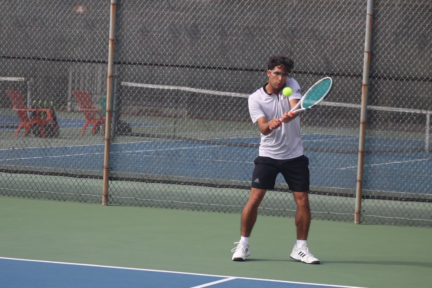 City College tennis looks to avenge an early season loss to Desert College. By Jonny Rico/City Times.