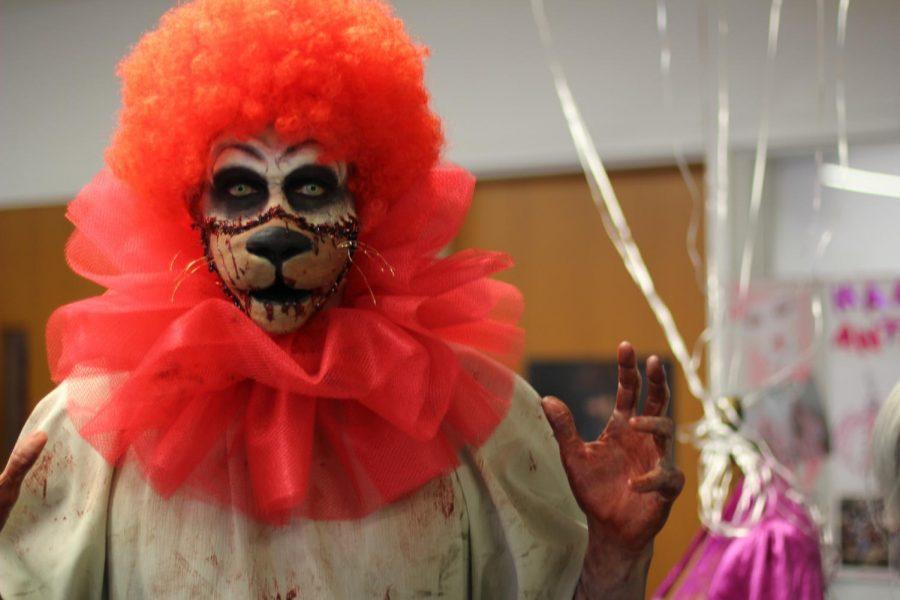 Aaron Kizziar participated in the City FX program, Cirque du Lumen showcase. By Brian Mohler/City Times