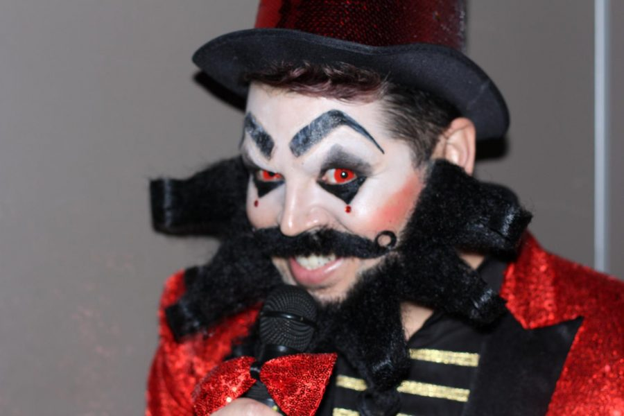 Artist Javi Moreno designed an odd looking costume, perfectly fitting his role as the host of Cirque du Lumen.