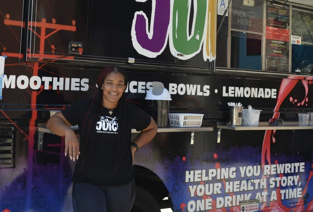The Write Juice truck is the newest food option available to City College students. Photo by Monica Pulido