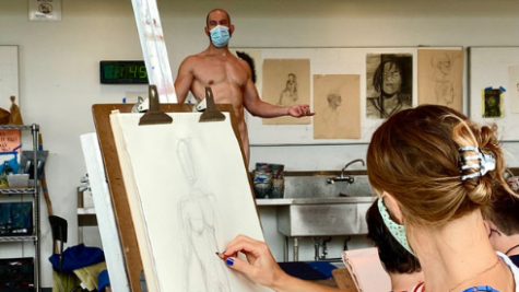 Model Yoni Baker in Life Drawing class